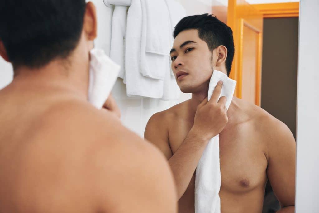 Attractive,Young,Man,In,His,Bathroom